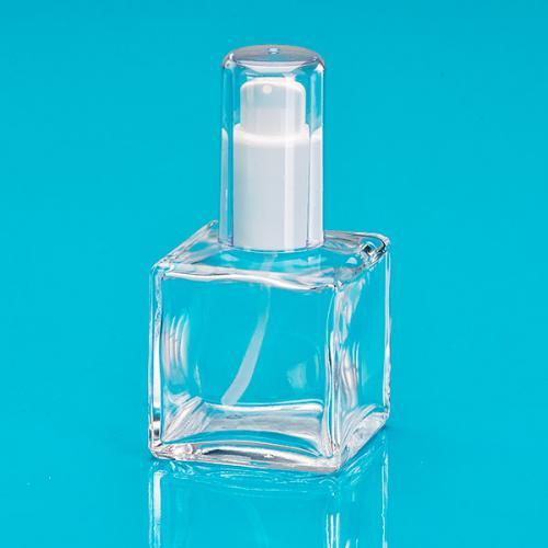 50 ml Flasche klar viereckig, Lotionspumpe weiß, Kappe klar, Hub 0,14 ml, Steigrohr ungek.